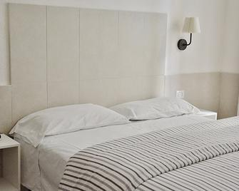 Hotel Ideal - Naples - Bedroom