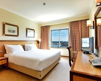 Hotel Real Oeiras - Oeiras - Schlafzimmer