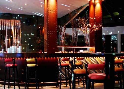 Grande Real Santa Eulalia Resort & Hotel Spa - Αλμπουφέιρα - Bar