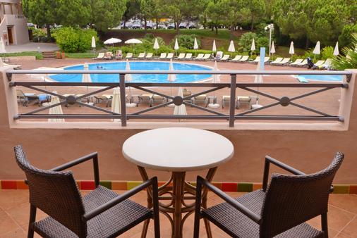 Grande Real Santa Eulalia Resort & Hotel Spa - Αλμπουφέιρα - Μπαλκόνι