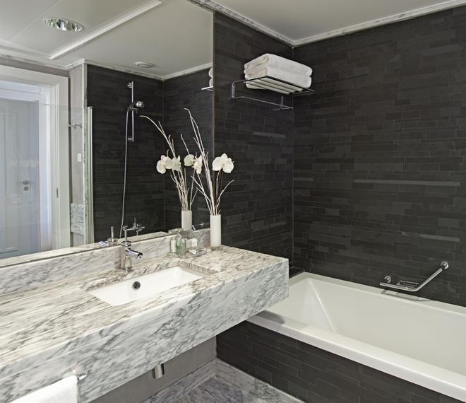 Real Marina Hotel & Spa - Olhão - Bathroom