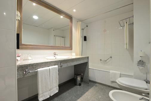 Real Bellavista Hotel & Spa - Albufeira - Bathroom