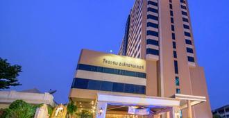 Alexander Hotel - Bangkok - Edificio