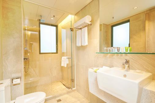 Hotel Ease Access Wan Chai - Hong Kong - Phòng tắm