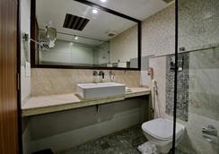 翡翠酒店 - 昌迪加爾 - 昌迪加爾 - 浴室
