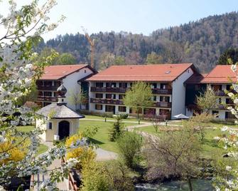 Spa & Resort Bachmair Weissach - Rottach Egern - Building