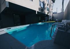 Shelter Hotel Los Angeles - Los Angeles - Bể bơi