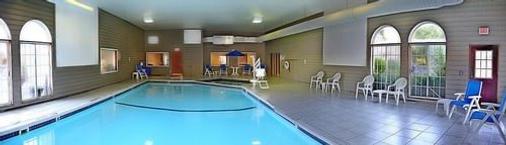 Breakers Resort & Beach Bar - Saint Ignace - Pool
