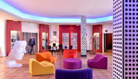 Hôtel Arles Plaza - Αρλ - Σαλόνι ξενοδοχείου