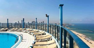 מלון ישרוטל טאואר - תל אביב - בריכה