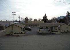 Lone Pine Budget Inn - Lone Pine - Building