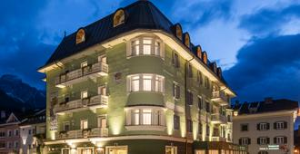 Post Hotel - Tradition & Lifestyle Adults Only - Innichen - Gebäude