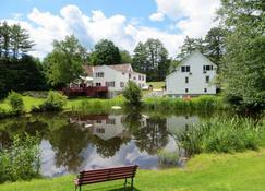 Cranmore Mountain Lodge Bed & Breakfast - Норт-Конвей - Вид снаружи
