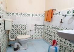 'O' Palmar Beach Cottages Benaulim - Benaulim - Bathroom