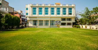 Hotel Suruchi (Wi-Fi) - Gwalior