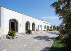 Hotel Resort Mulino a Vento - Uggiano la Chiesa - Gebäude