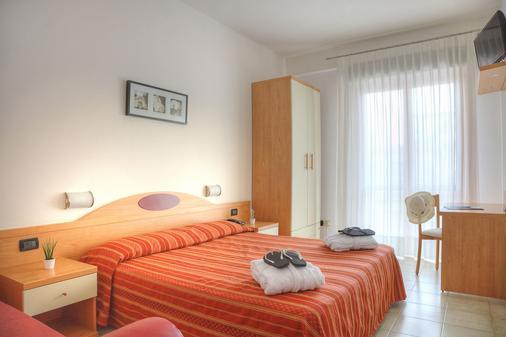 梅菲酒店 - 耶索羅 - Jesolo - 臥室
