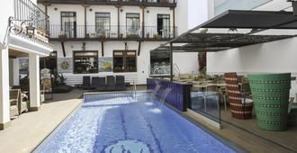 Hotel Neptuno - Calella - Bangunan