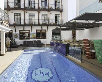 Hotel Neptuno - Calella - Gebäude