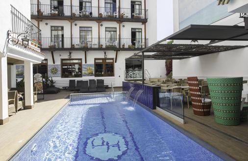 Hotel Neptuno - Calella - Toà nhà