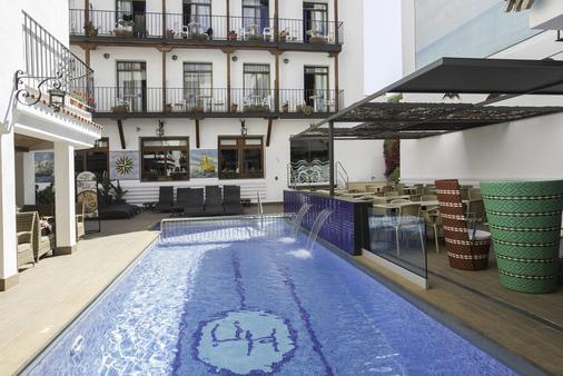 Hotel Neptuno - Calella - Κτίριο