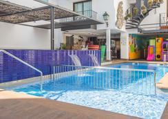Hotel Neptuno - Calella - Pool