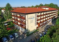 Thermen-Hotel Rottaler Hof - Bad Fussing - Rakennus