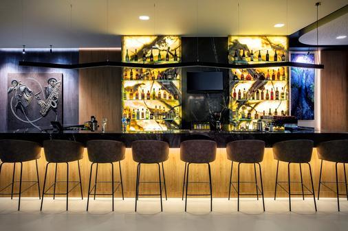 Hilton Garden Inn Tirana - Tirana - Bar