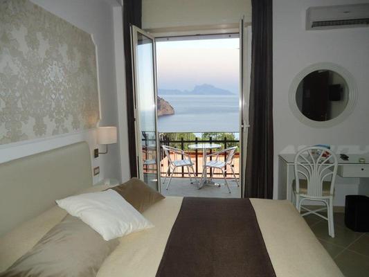 Mini Hotel - Pozzuoli - Bedroom