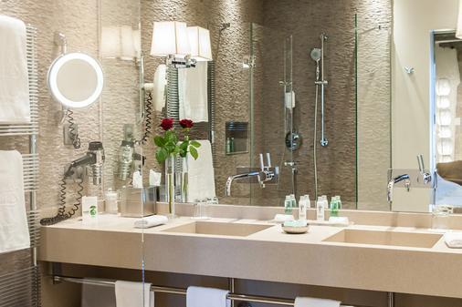 Hôtel Les Armures - Geneva - Bathroom