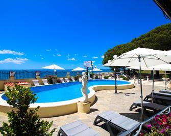 Le Naiadi Park Hotel Sul Lago - Bolsena - Piscină