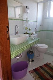 Pousada Caminho Das Aroeiras - Búzios - Bathroom