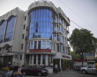 Hotel Sunbeam - Gwalior - Building