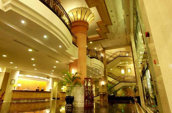 Bayview Hotel Georgetown Penang - George Town - Aula