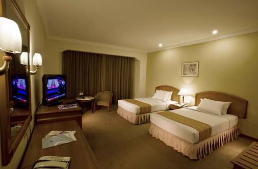 Bayview Hotel Georgetown Penang - George Town - Bedroom