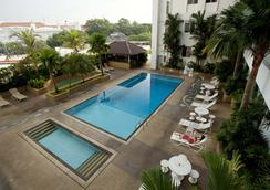 Bayview Hotel Georgetown Penang - George Town - Piscine