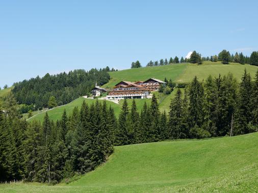 Kräuterhotel Zischghof - Obereggen - Outdoors view