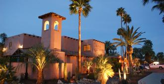 Hotel California - Palm Springs