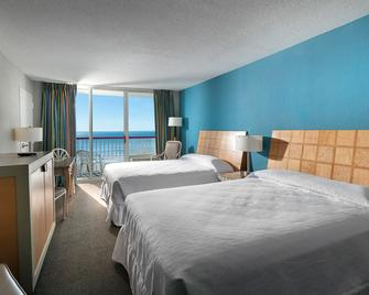 Crown Reef Beach Resort and Waterpark - Myrtle Beach - Bedroom