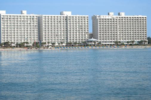 Crown Reef Beach Resort and Waterpark - Myrtle Beach - Building