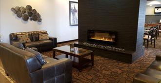 Expressway Suites Fargo - Fargo - Sala de estar