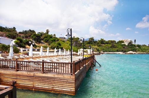Ada Beach Hotel - Kyrenia - Patio