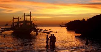 Mad Monkey Hostel Boracay - Boracay - Outdoor view