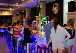 Bhiman Inn Hotel - 曼谷 - 酒吧