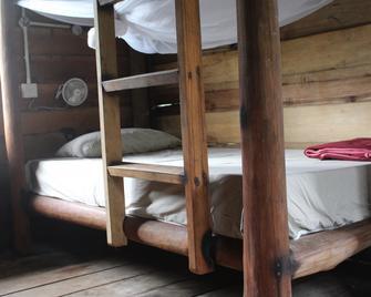 Mad Monkey Koh Rong Samloem - Koh Rong Sanloem - Bedroom