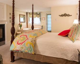 Colby Hill Inn - Henniker - Bedroom