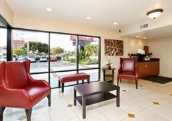 Red Roof Inn Santa Ana - Santa Ana - Lobby