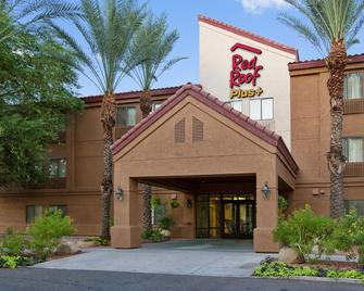Red Roof PLUS+ Tempe - Phoenix Airport - Tempe - Building