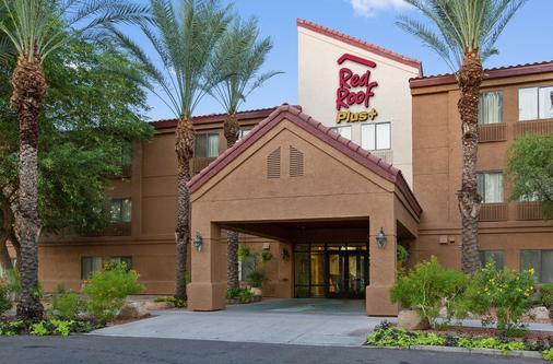 Red Roof PLUS+ Tempe - Phoenix Airport - Tempe - Rakennus