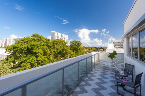 邁阿密海灘普萊茅斯酒店 - 邁阿密海灘 - 邁阿密海灘 - 陽台